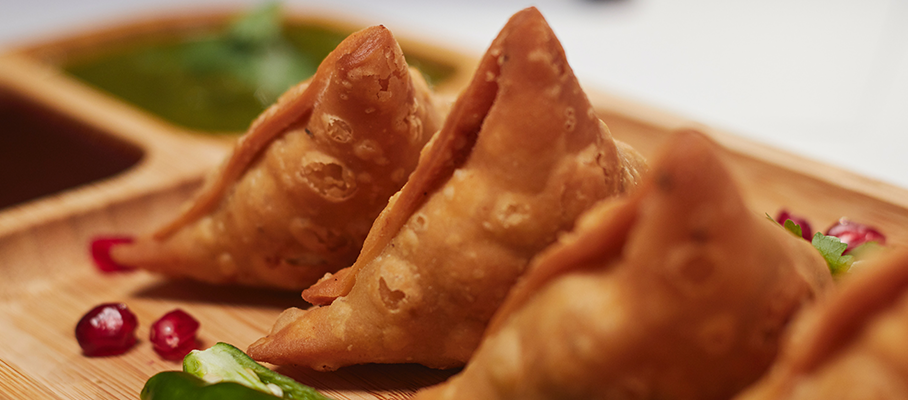 How much fat does your regular Samosa contain?